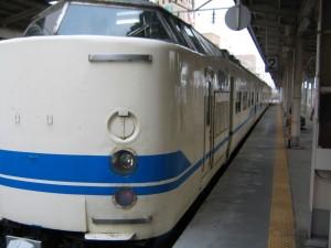 福井の代表列車サンダーバード